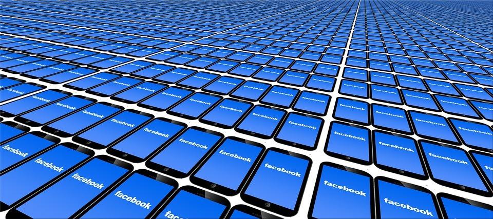 la historia de facebook yeabit